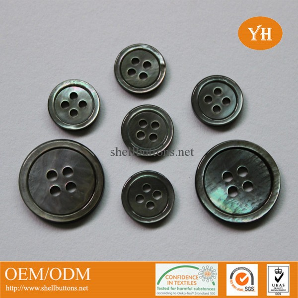 SB1211 Classic 4-hole grey shell buttons with rim