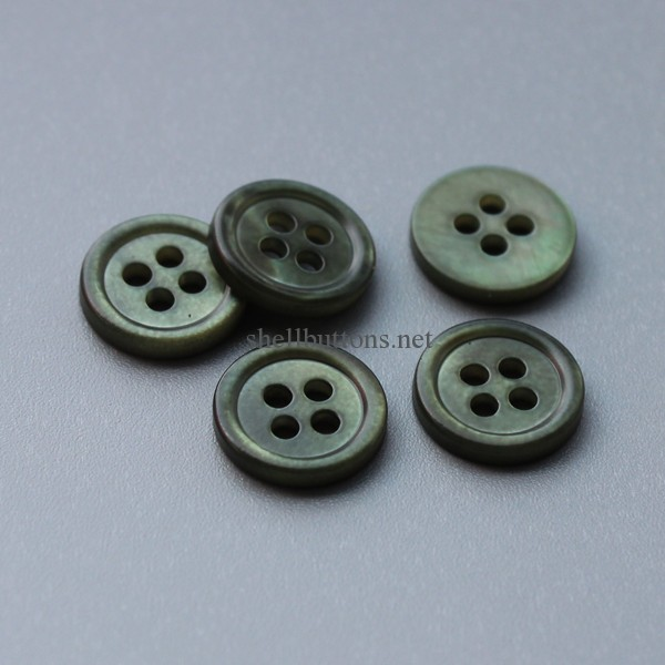 dyed mother of pearl buttons with matt finish