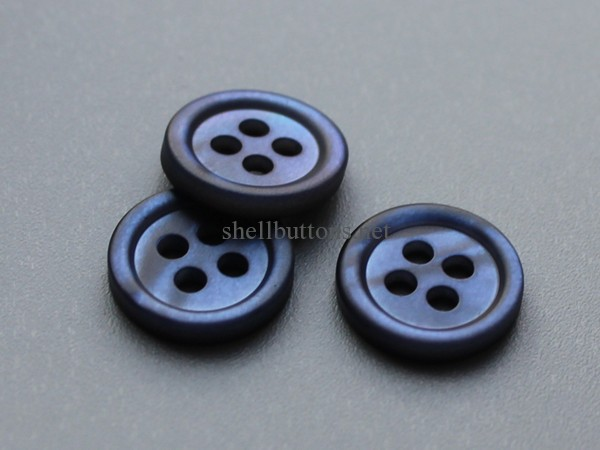 mother of pearl coloured buttons