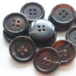 YaHoGa® Real Horn Buttons Brown for Blazers Suits 24L 32L